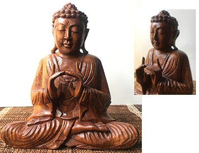 Statuetta di Buddha artigianale in legno di Suar